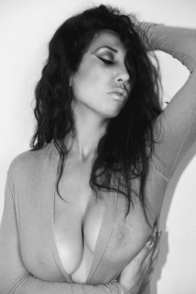 Melissa Martinez - Magazine n.9